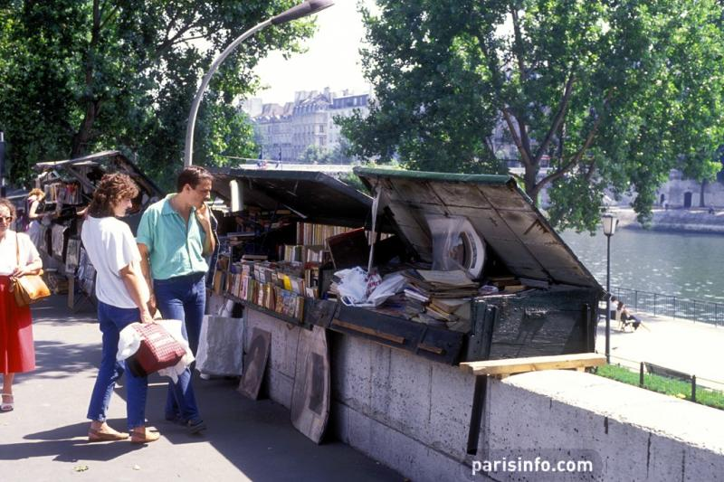 Bouquinistes, Paris © Paris Tourist Office/F. Perrot