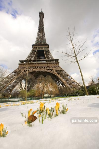 Tour Eiffel sous la neige © Paris Tourist Office/Marc Bertrand
