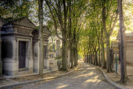 Père Lachaise @Extranoise (wikimedia commons)
