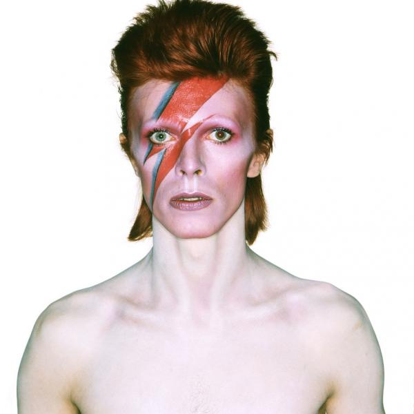David Bowie, Photo de Brian Duffy pour la pochette de l'album Aladdin Sane, 1973 © Brian Duffy Archives / V&A Museum