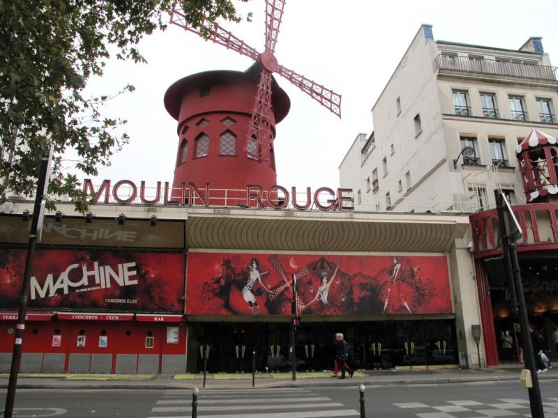 Place Blanche et le Moulin Rouge
